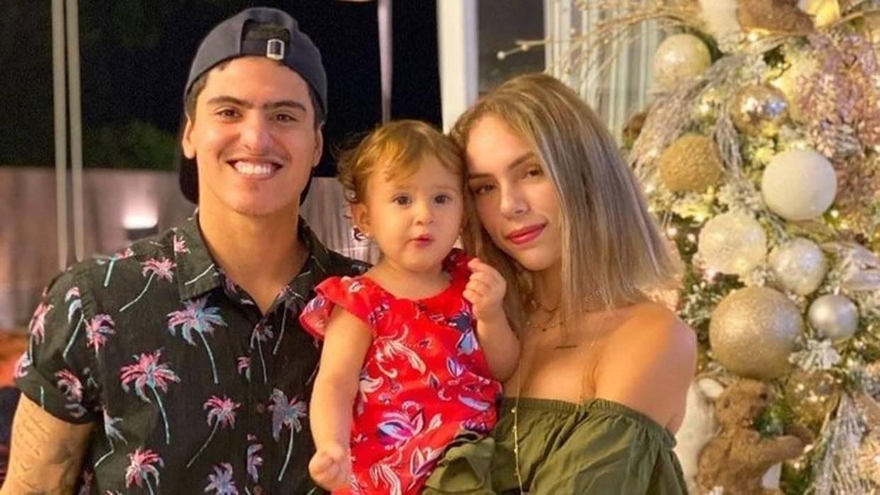 Em abril, Bruna contou em seu Instagram que teria sido expulsa pela sogra, Simone, da casa em que morava em Maresias, litoral de São Paulo. Segundo a blogueira, o motivo teria sido não aceitar um emprego de carteira assinada, em que teria que deixar a filha, Analua, de 1 ano, com outra pessoa. (Foto: Instagram)