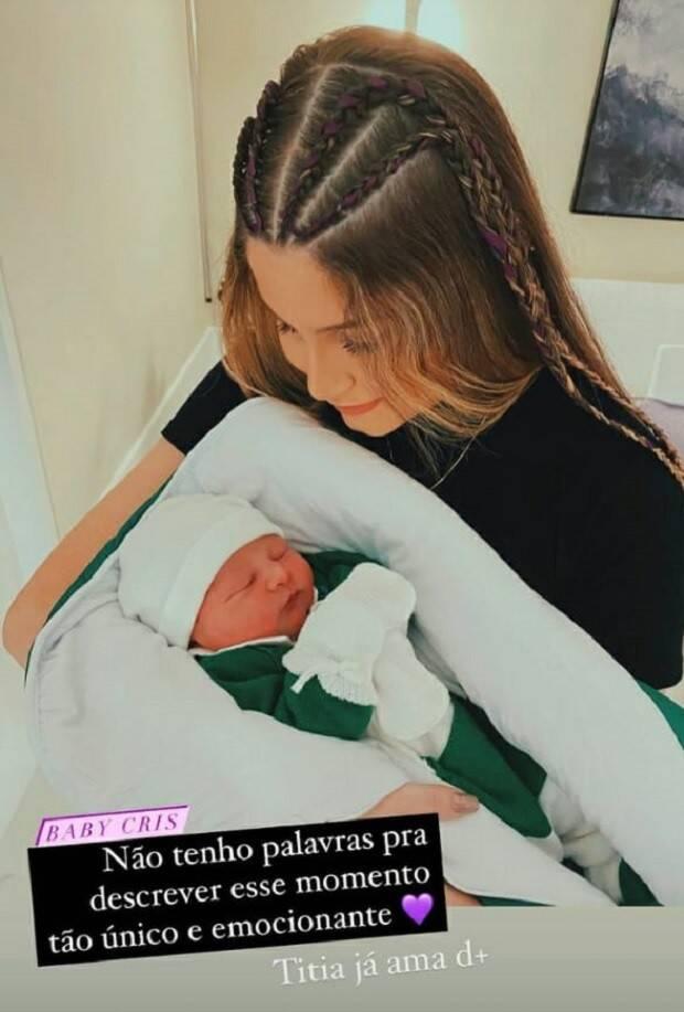A irmã de Bianca, Iris, e o sobrinho, Cris. (Foto: Instagram)