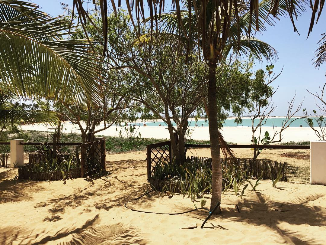 As praias com longas faixas de areia branca e água cristalina e o cenário perfeito para tirar fotos ou praticar esportes. (Foto: Instagram)