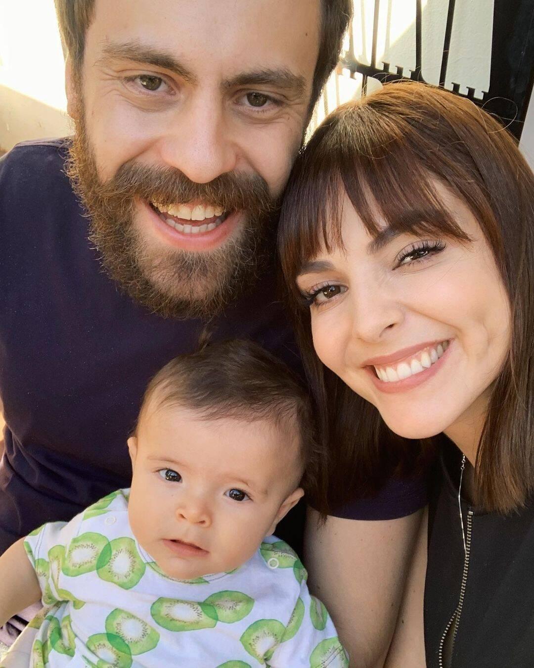 O pequeno Beijamin é o primeiro filho do casal Titi Muller e Tomás Bertoni. A apresentadora e o músico ganharam bebê em junho, após Titi passar 30 horas em trabalho de parto! (Foto: Instagram)