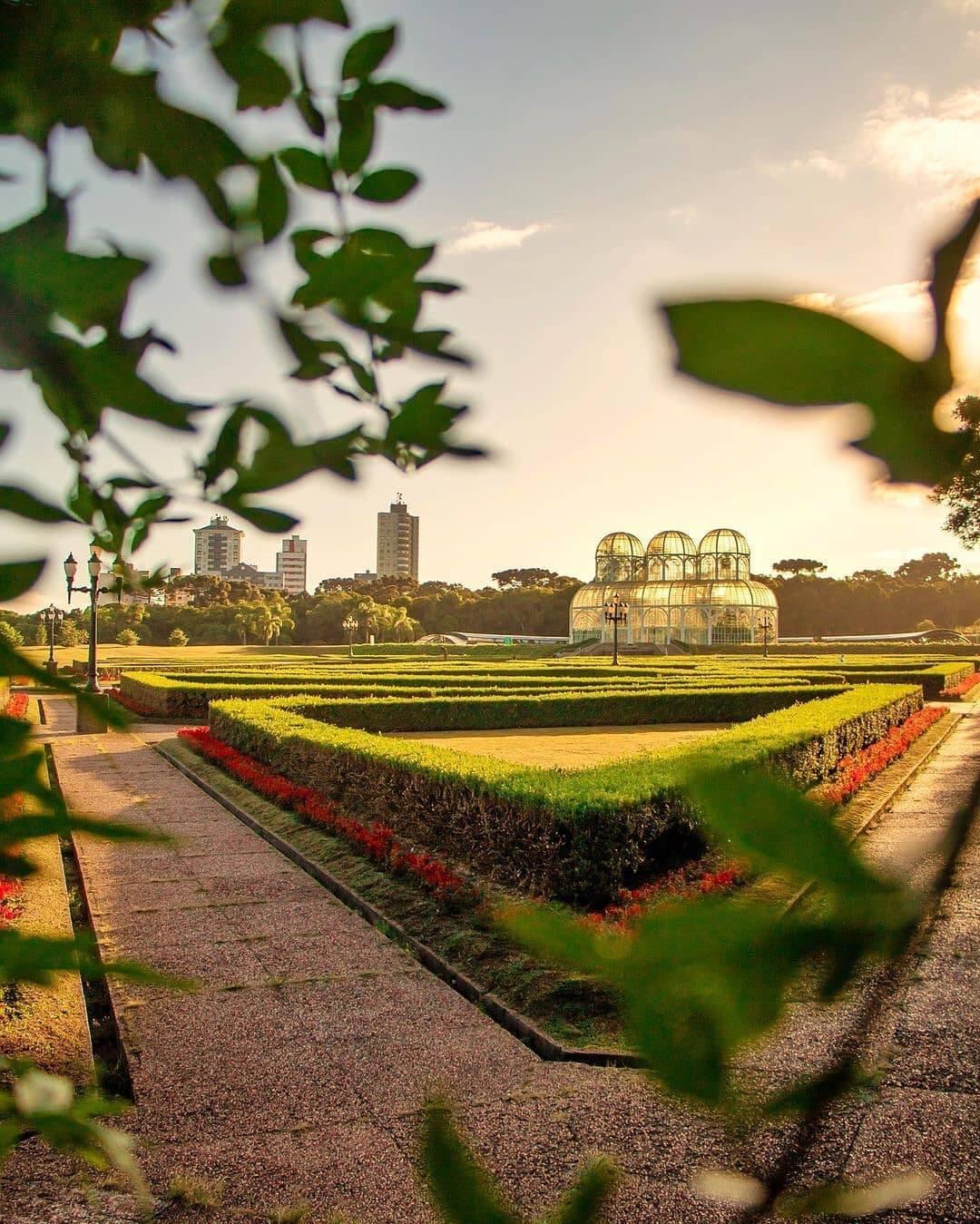 Um dos pontos turísticos mais bonitos da capital paranaense. (Foto: Instagram)