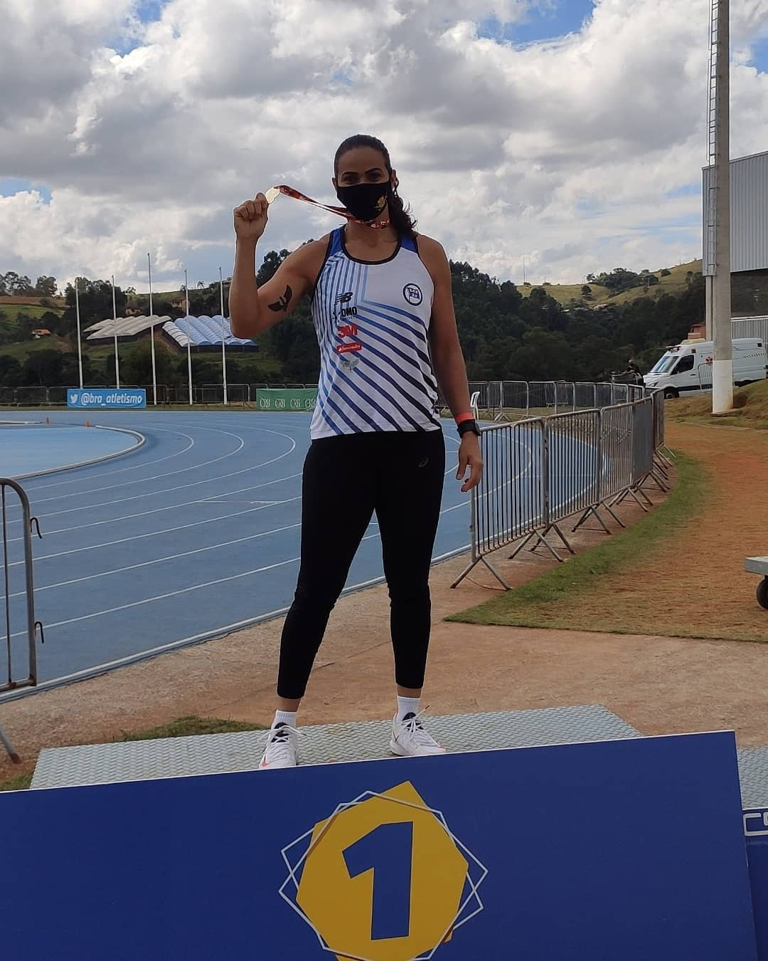 Laila Ferrer é uma das atletas das provas de campo do atletismo que representará o Brasil no lançamento de dardo nos Jogos Olímpicos de Tóquio. (Foto: Instagram)