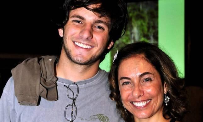 Cissa Guimarães usou seu Instagram para postar uma homenagem para o filho, Rafael Mascarenhas (Foto: Instagram)