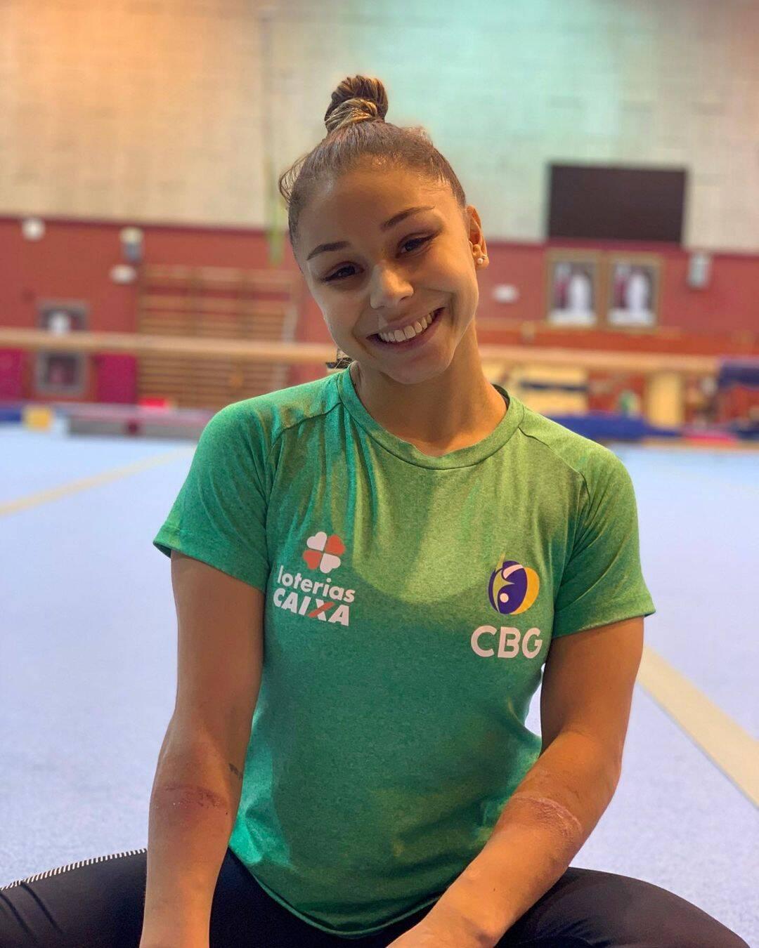 Flávia Saraiva é uma das duas atletas da ginástica artística feminina que defenderá o Brasil nos Jogos Olímpicos. (Foto: Instagram)