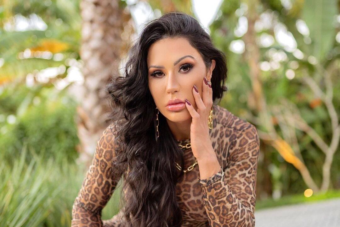 Há várias temporadas, Gracyanne Barbosa é o sonho de consumo da direção de A Fazenda 13 há várias temporadas. Nessa segunda-feira (12), ela finalmente deu a sua resposta para o reality show da Record TV! (Foto: Instagram)