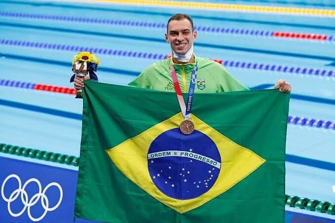 O brasileiro Fernando Scheffer conquistou a primeira medalha do Brasil na natação dos Jogos Olímpicos de Tóquio. (Foto: Instagram)
