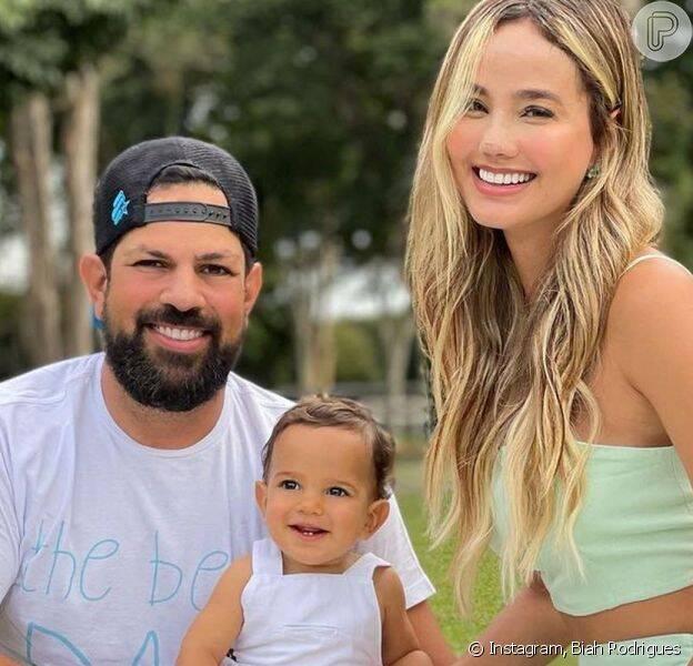 Biah Rodrigues e o sertanejo Sorocaba, da dupla Fernando e Sorocaba, não ficaram de fora e tiveram seu primeiro filho durante a pandemia. (Foto: Instagram)