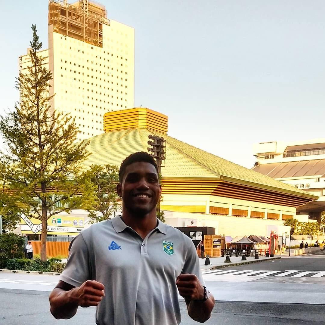 Abner Teixeira é um atleta do boxe brasileiro da categoria peso pesado (até 91kg) que defenderá o Brasil nos Jogos Olímpicos de Tóquio. (Foto: Instagram)