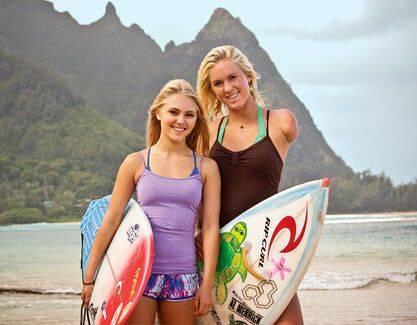 Soul Surfer - A adolescente Bethany Hamilton tem um talento natural para o surf, mas sua vida é transformada após ser atacada por um tubarão, que arranca um de seus braços. Encorajada pelo amor de seus pais e se recusando a desistir, Bethany decide retornar ao mundo das competições depois de se recuperar do acidente, mas dúvidas sobre seu futuro a perturbam. (Foto: Divulgação)