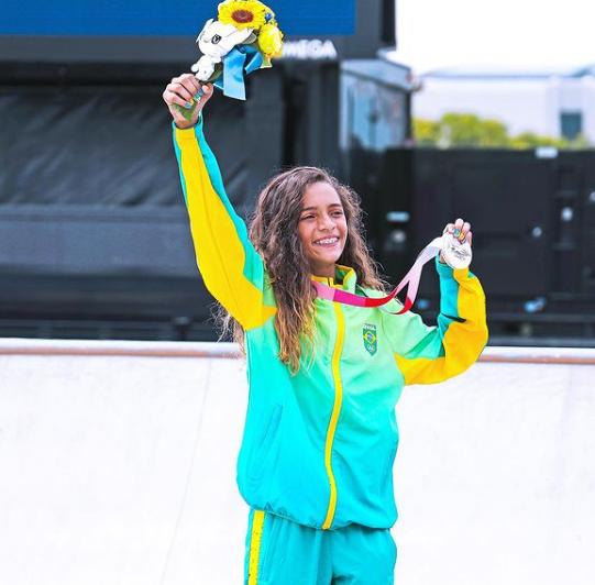 Rayssa Leal, de apenas 13 anos, conseguiu prata na estreia do Skate (Foto: Instagram)