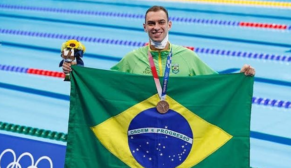 Fernando Scheffer levou o bronze na natação (Foto: Instagram)