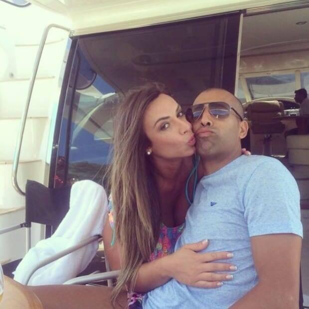 Ela também engatou um namoro com o ex-jogador de futebol Emerson Sheik. (Foto: Instagram)