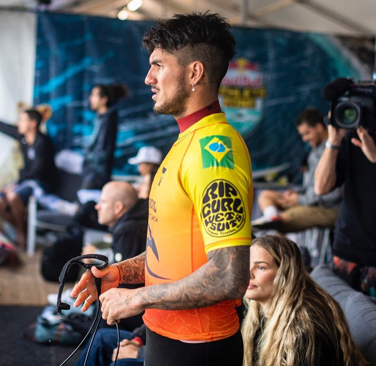 """""""É difícil viajar, esses 10 últimos anos têm sido muito intensos, eu não tenho uma rotina em casa"""", afirmou o surfista. (Foto: Instagram)"""