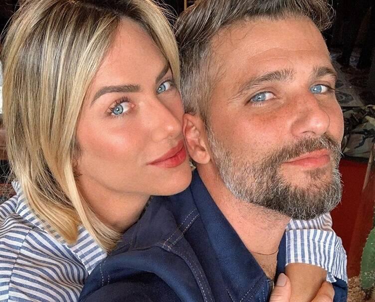 A famosa compartilhou detalhes do jantar romântico do casal nas redes sociais. (Foto: Instagram)