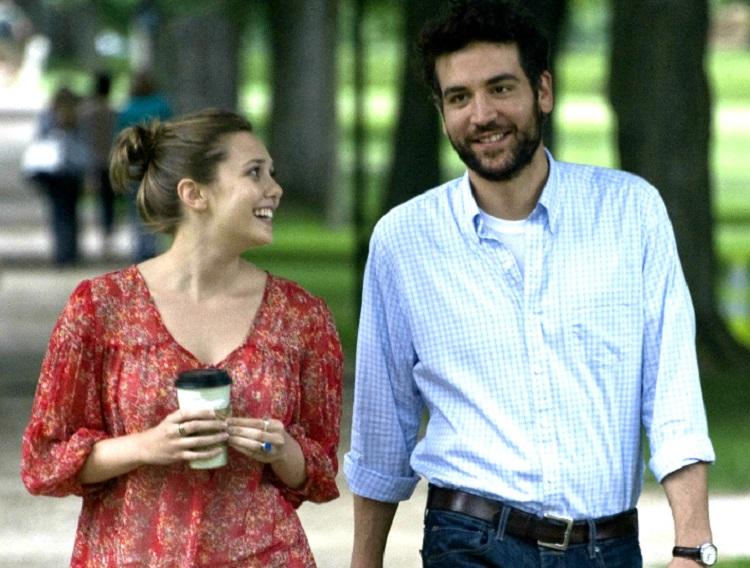 """""""Histórias de Amor"""" - Jesse Fisher volta à universidade para participar da comemoração da aposentadoria de um de seus antigos professores. Lá, ele se encanta por Zibby, uma jovem do segundo ano. (Foto: Divulgação)"""