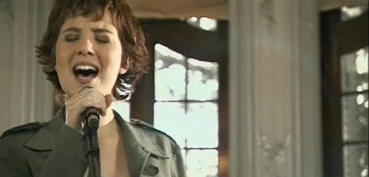 Marjorie também fez sucesso nas rádios com a música Você Sempre Será, em 2005. (Foto: YouTube)