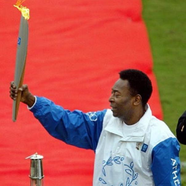 O Rei do Futebol surpreendeu a jovem atleta ao escrever uma homenagem em suas redes sociais. (Foto: Instagram)