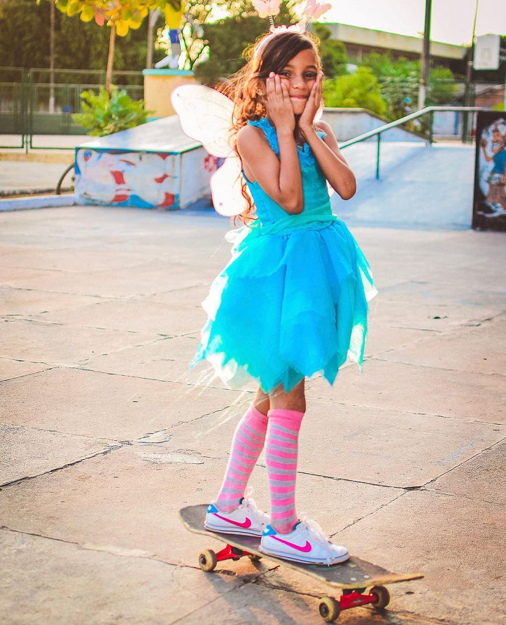"""""""Era uma vez uma menina que amava o seu skate e tinha um sonho. E assim começa um verdadeiro Conto de Fadas que fez todos os brasileiros sorrirem hoje"""", escreveu o famoso. (Foto: Instagram)"""