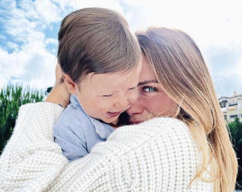 """""""Meu anjo que veio de surpresa! Assim, de supetão, sem avisar. Sem que nos preparássemos e que bagunçou meus sentimentos, pensamentos e até convicções"""", declarou a atriz nas redes sociais. (Foto: Instagram)"""