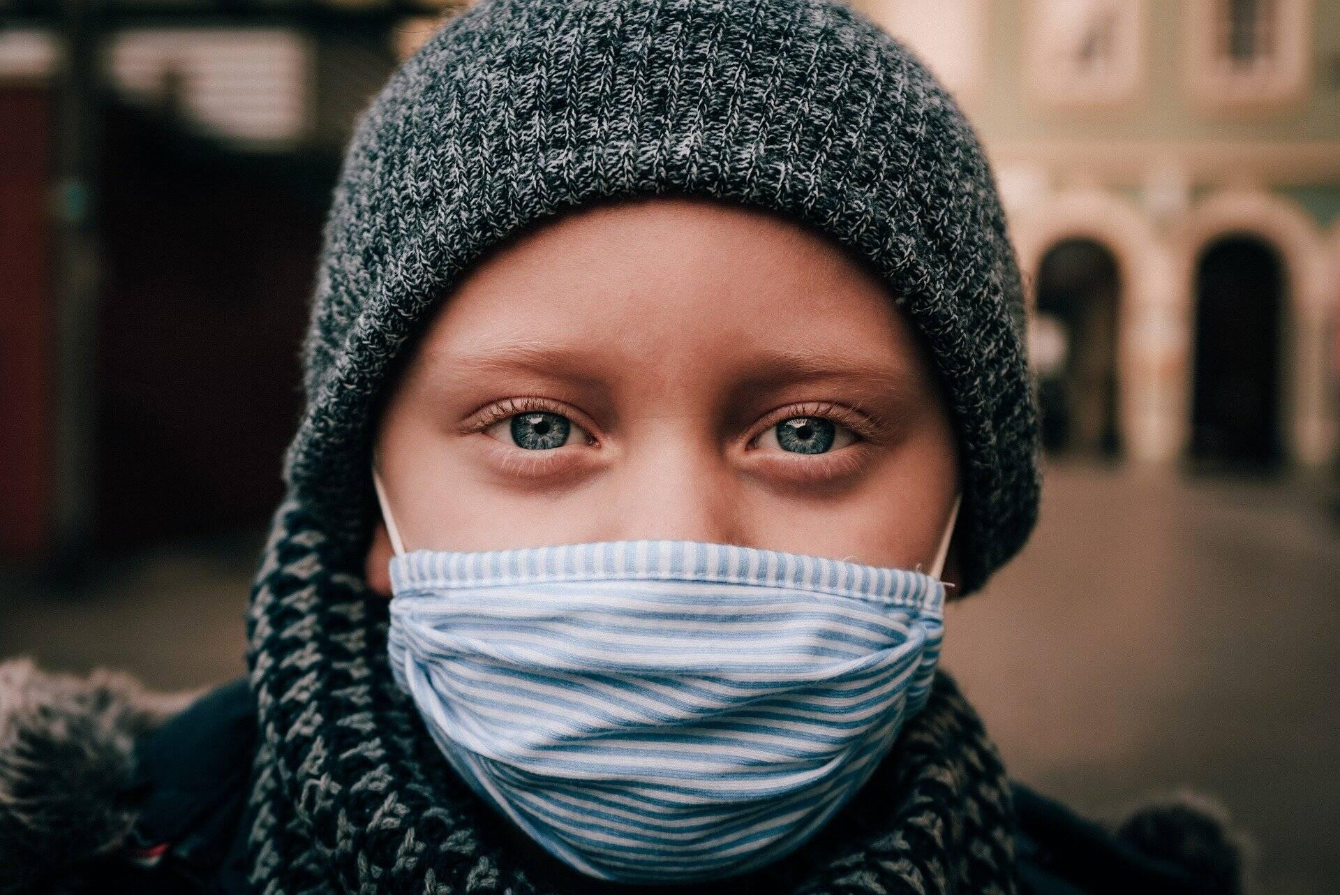 Inicialmente, especialistas acreditavam que a Covid-19 não atingia as crianças de forma agressiva, mas esse pensamento vem sendo alterado devido ao número de pequenos internados com o vírus (Foto: Pixabay)