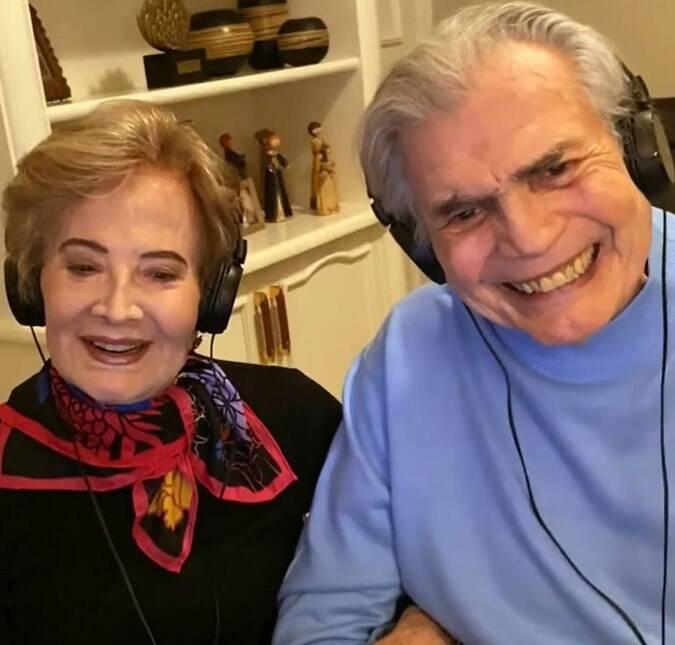 Glória Menezes, de 86 anos, e Tarcísio Meira, de 85 anos, completaram o ciclo de imunização contra o Covid em março deste ano (Foto: Instagram)