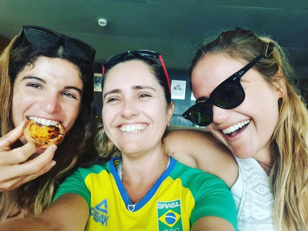 Na vela, a dupla formada por Martine Grael e Kahena Kunze está no segundo lugar da classificação geral (Foto: Instagram)