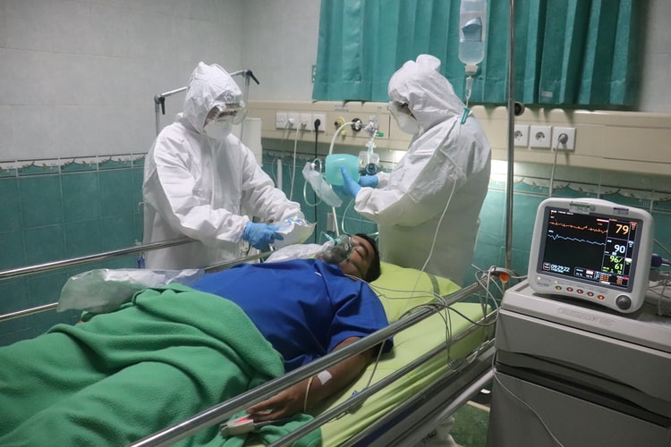 Desde o avanço das vacinas o número de mortes e internações dos idosos de reduziu a quase 76% (Foto: Unsplash)