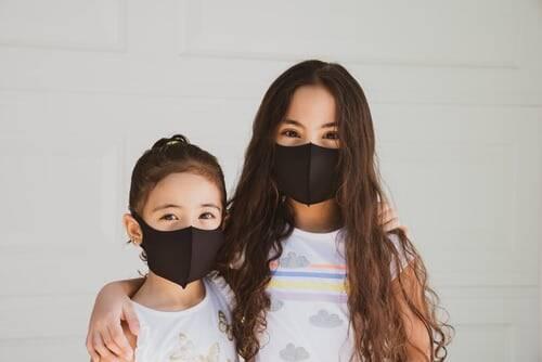 Mesmo com a decisão contrária do governador, o Departamento de Saúde da Flórida autorizou as instituições de ensino a exigirem o uso das máscaras das crianças (Foto: Unsplash)