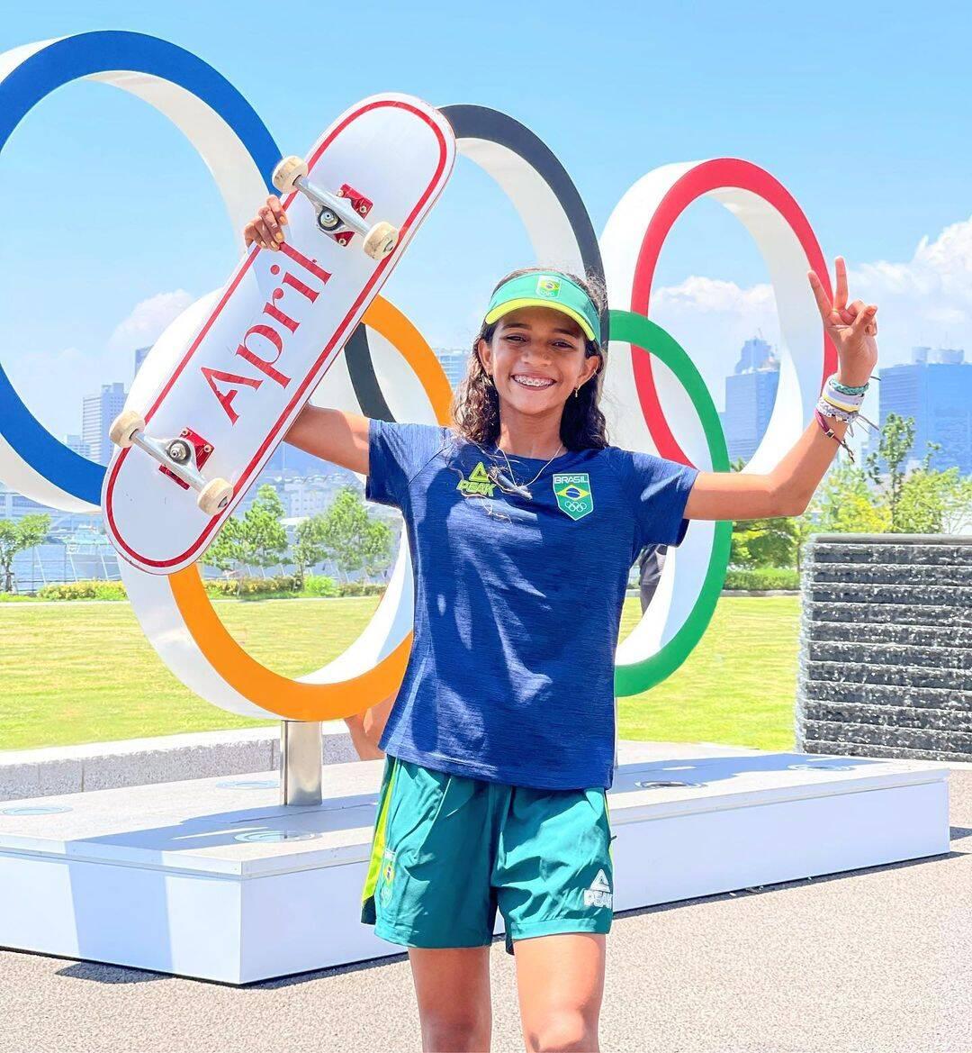 Com apenas 13 anos, se tornou a atleta brasileira mais jovem a conseguir medalha nas olímpiadas (Foto: Instagram)