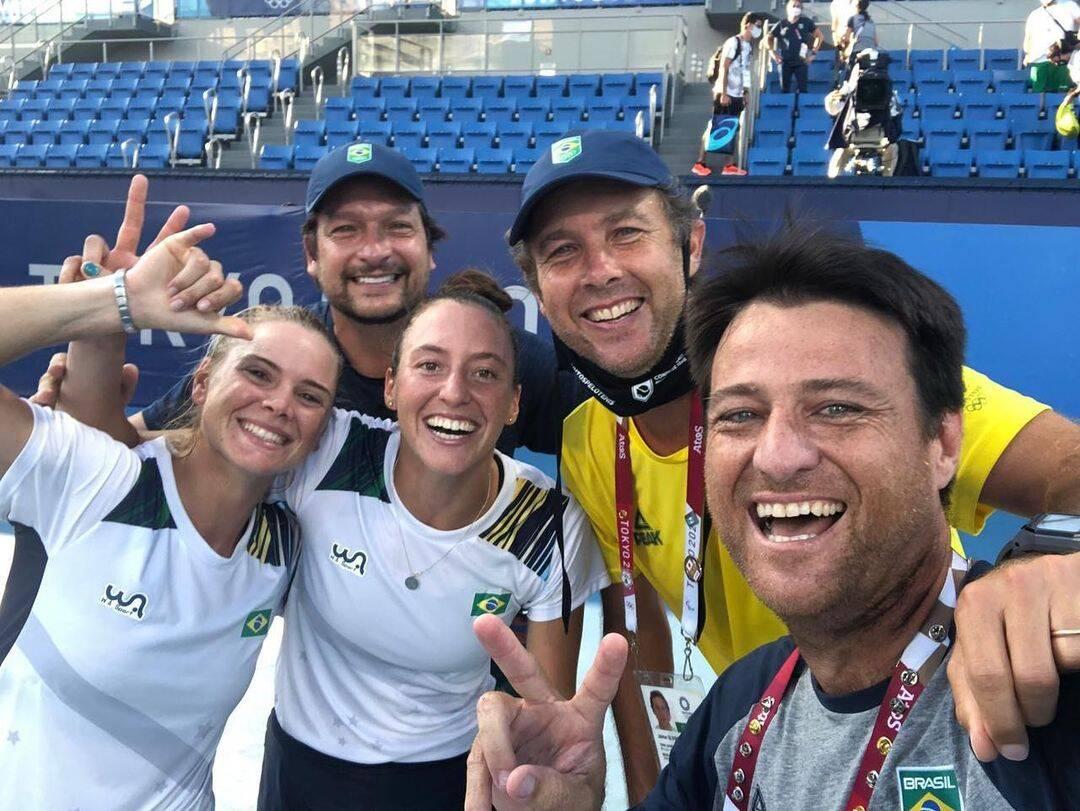 Luisa Stefani e Laura Pigossi, a dupla de tênis, ganharam a primeira medalha de bronze, sendo as primeiras brasileiras a ganhar na modalidade (Foto: Instagram)