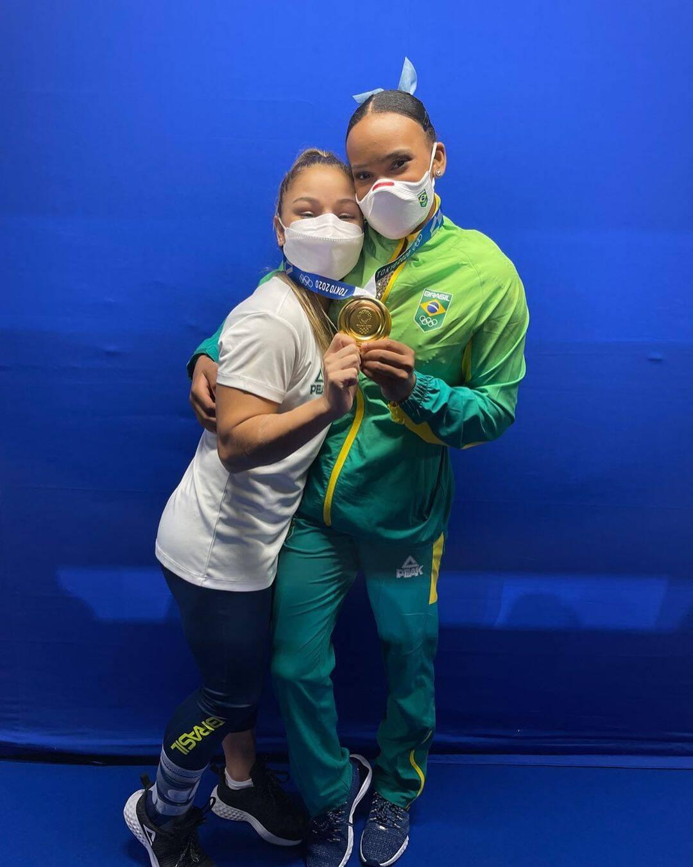 A ginasta, Rebeca Andrade trouxe o ouro no alto (Foto: Instagram)