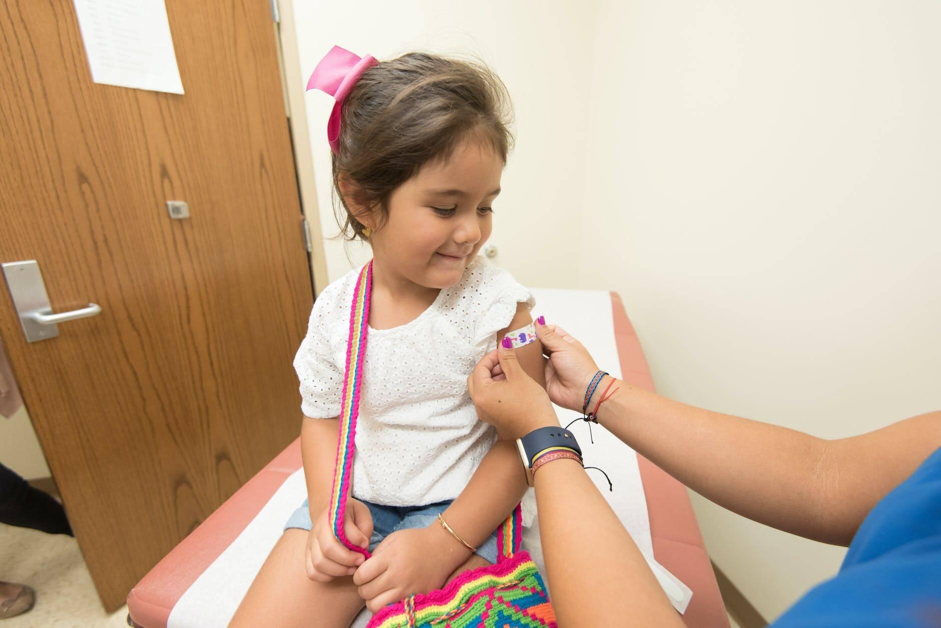 Se a autorização for aprovada, a Coronavac poderá ser aplicada em crianças e adolescentes na faixa de 3 a 17 anos de idade. A Anvisa informou que a Janssen já tem autorização para iniciar os estudos de suas vacinas aos menores de idade. (Foto: Pexels)