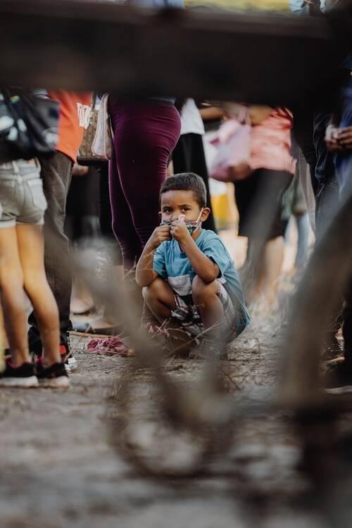 No entanto, pode demorar muitos meses até que as vacinas sejam autorizadas para serem aplicadas nos menores (Foto: Unsplash)