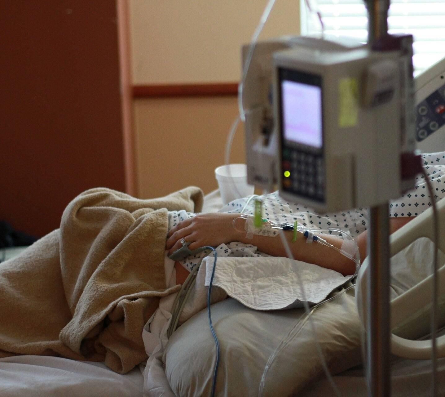 Nos últimos dias, cerca de 1,4 mil crianças foram hospitalizadas no país, sendo o maior número já registrado durante toda a pandemia (Foto: Pixabay)