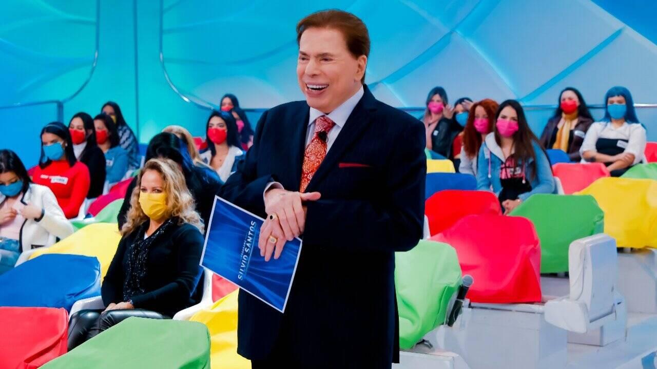 558 - No hospital, Silvio Santos brigou com médicos e ameaçou sair de avental