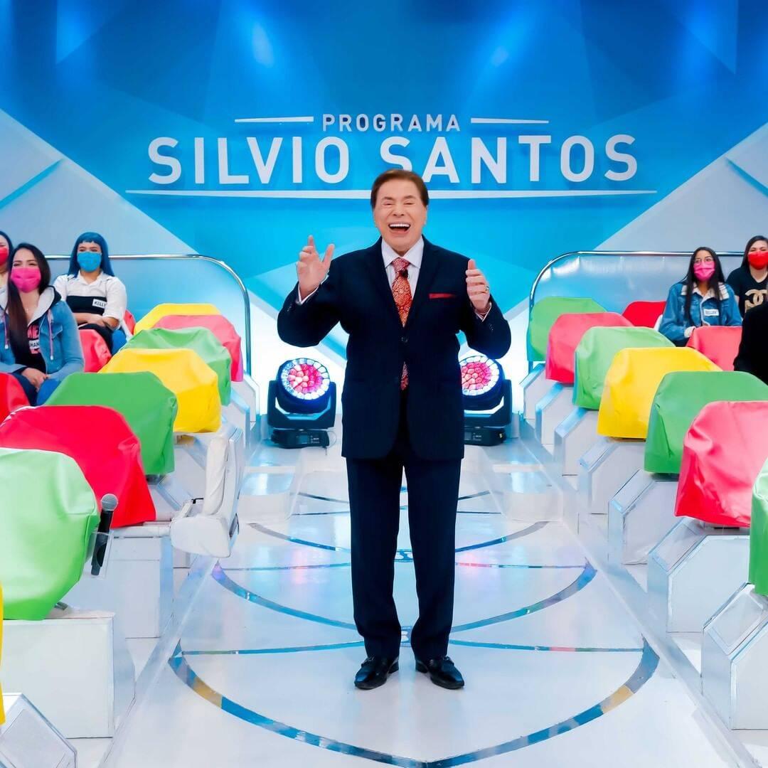 564 - No hospital, Silvio Santos brigou com médicos e ameaçou sair de avental