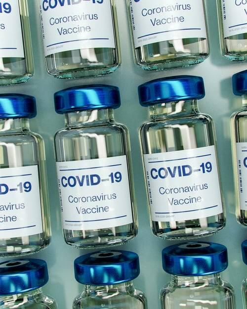 Atualmente, o Brasil conta com quatro vacinas no combate ao Covid-19 (Foto: Unsplash)
