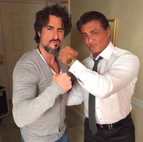 O apresentador revelou que está muito feliz por ter sido contratado pela Globo (Foto: Instagram)