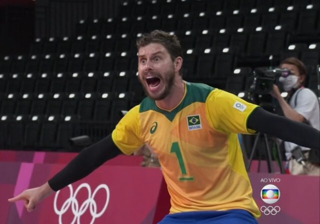 Bruninho tem chamado atenção por seu jeito exagerado de comemorar e acabou virando meme (Foto: Globo)