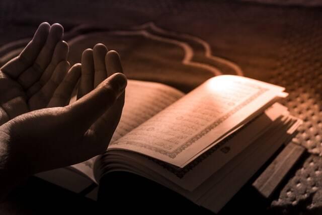 Um dos pontos de origens do movimento é que eles pregavam em seminários religiosos uma leitura fundamentalista do islamismo sunita (Foto: Unsplash)