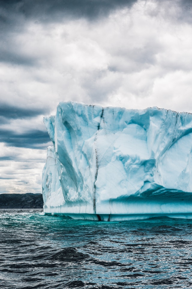 O derretimento da água congelada, poderia ocasionar o aumento do oceano em até 13 metros (Foto: Pexels)