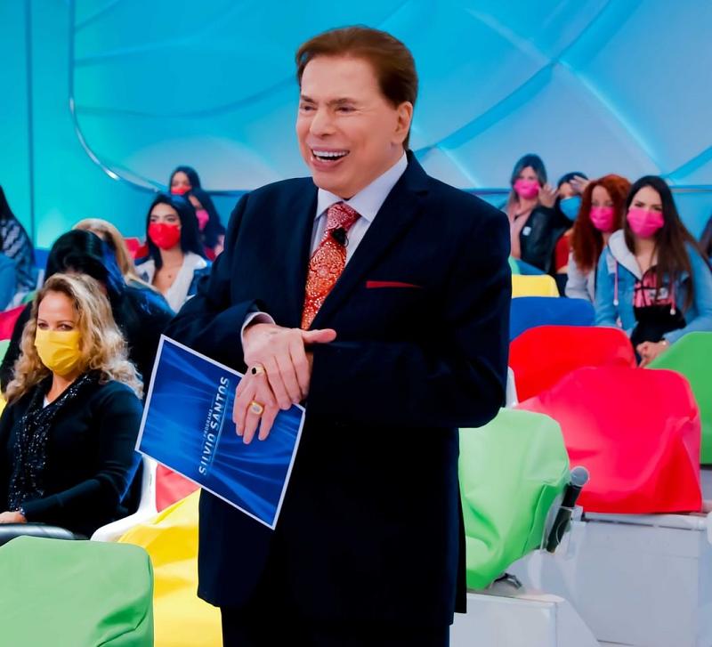 programasilviosantos1 - No hospital, Silvio Santos brigou com médicos e ameaçou sair de avental