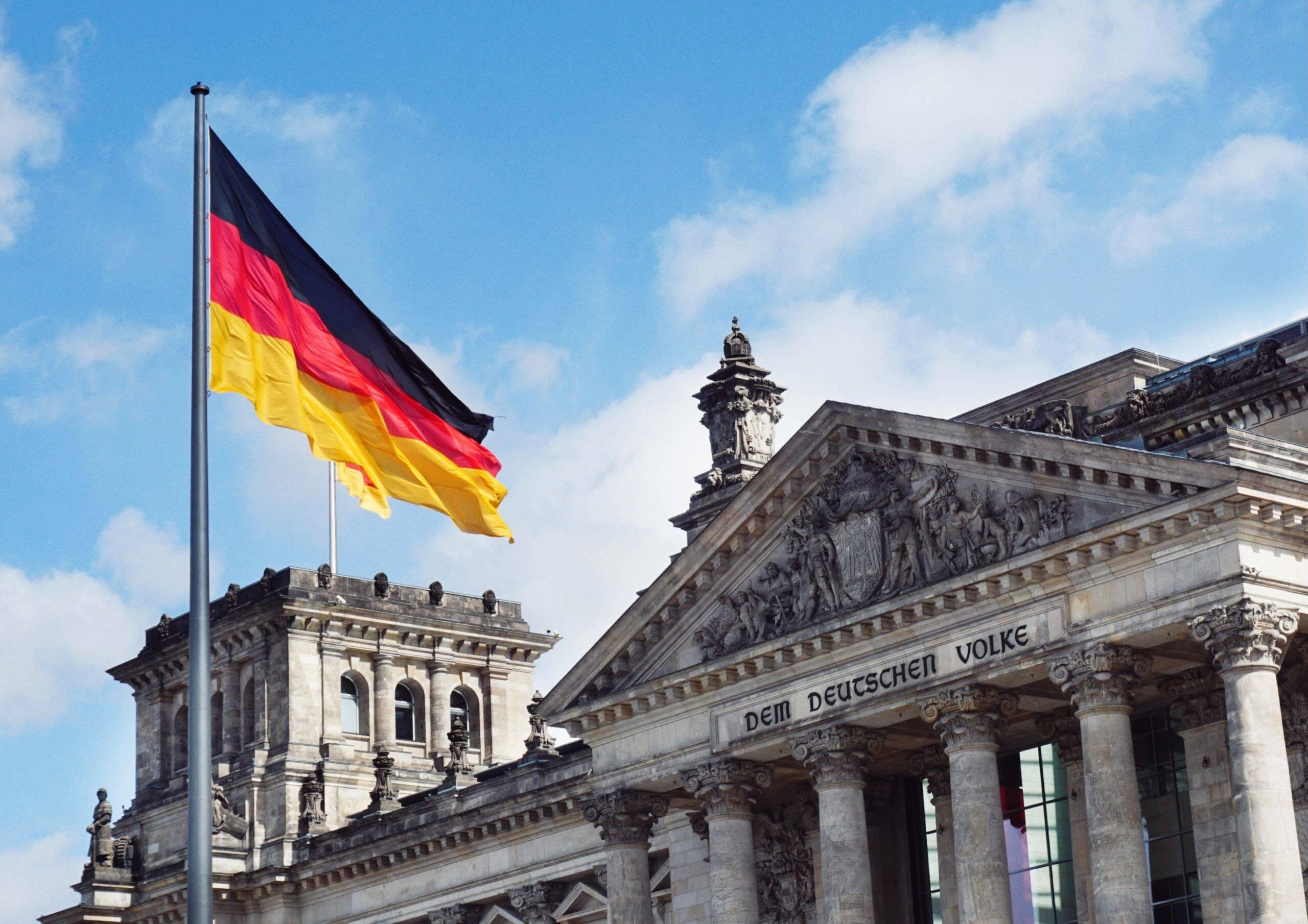 O sexto lugar é ocupado pela Alemanha, que tem 51,56 milhões de habitantes vacinados. (Foto: Unsplash)