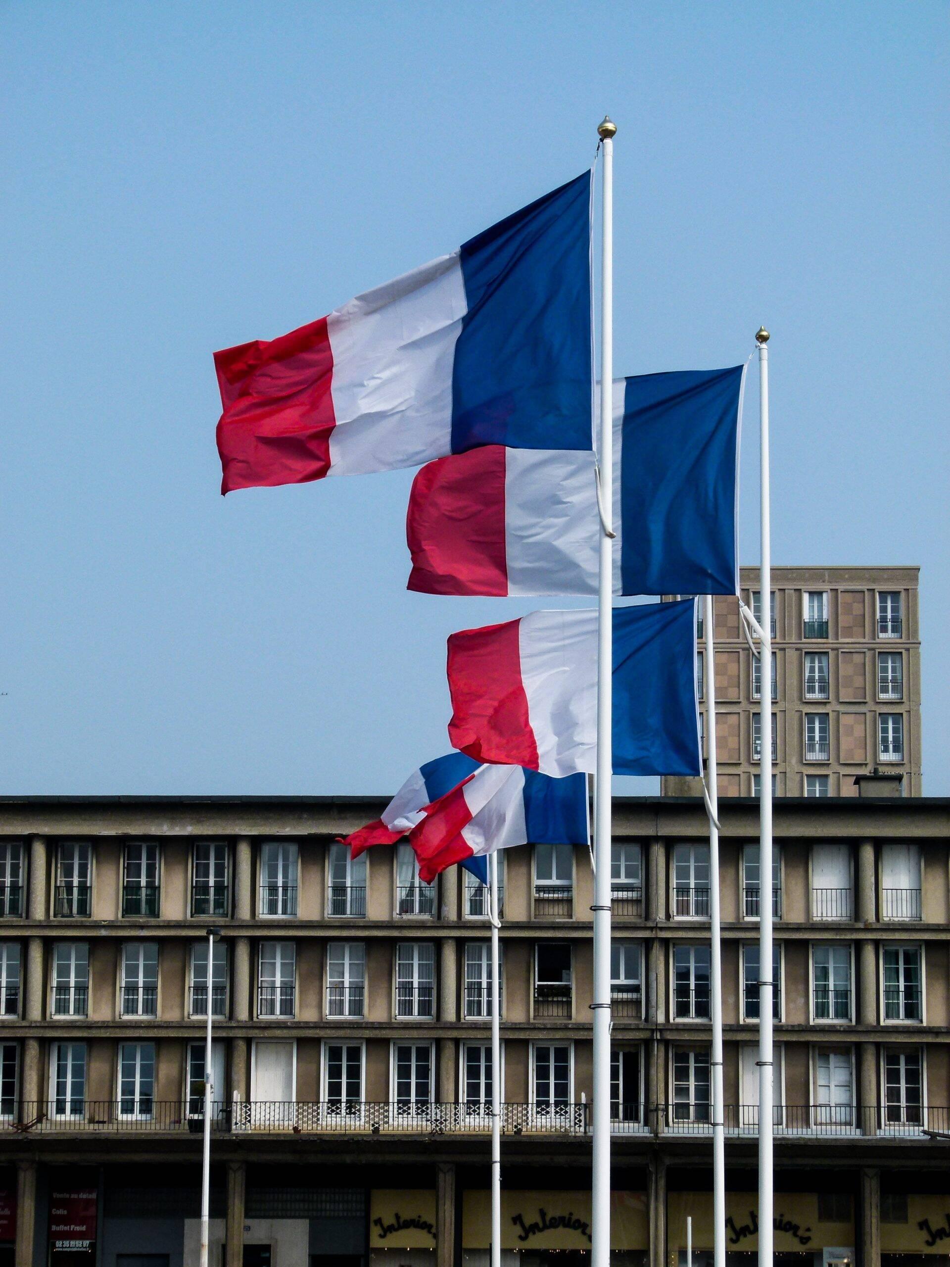 A oitava posição é ocupada pela França, que dentre toda a sua população tem 42,21 milhões de pessoas com o ciclo de imunização completo. (Foto: Unsplash)