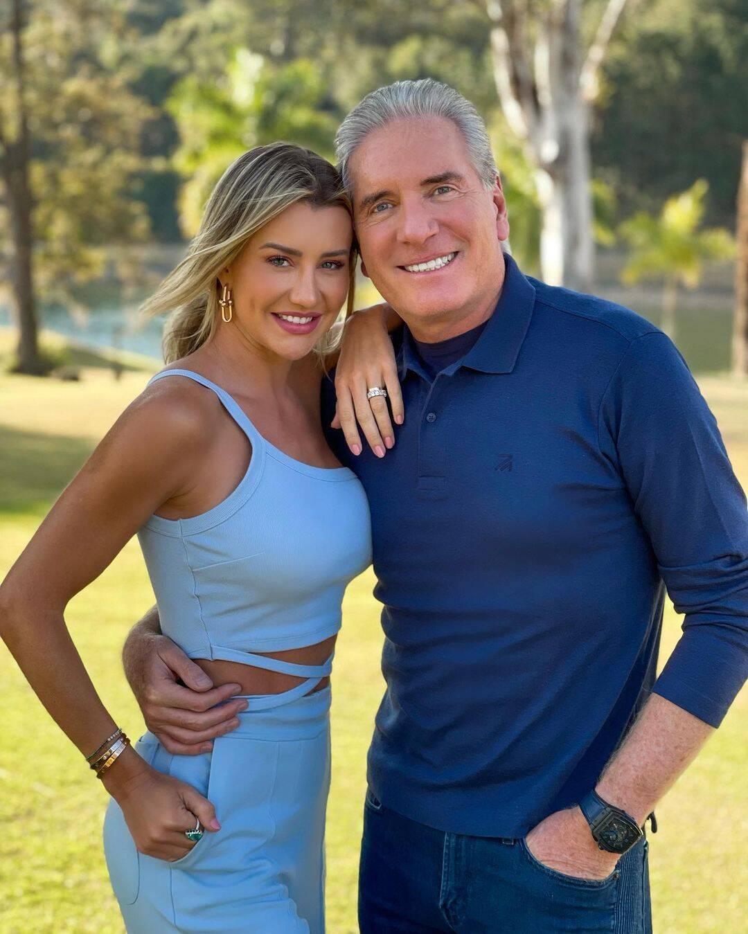 O apresentador Roberto Justus já foi casado quatro vezes, antes de se unir com Ana Paula Siebert, sua atual esposa. (Foto: Instagram)