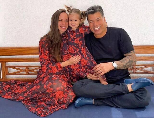 Sua primeira união foi com a cantora Elba Ramalho, cujo tiveram um filho juntos. Depois casou-se com Flávia Gracie e também com a empresária Fabiana Sá. Atualmente, ele segue casado com Shay Dufau. (Foto: Instagram)
