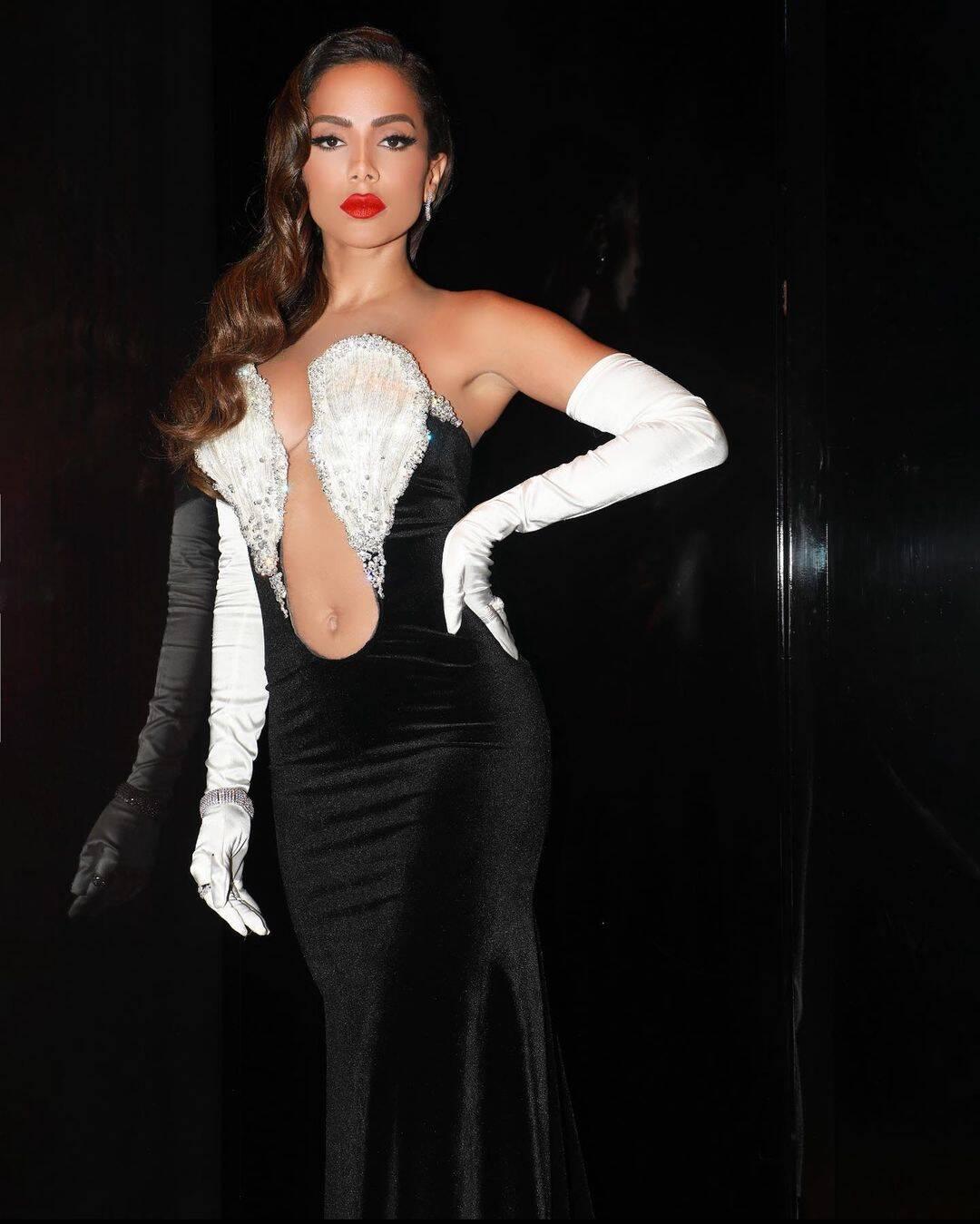 Em setembro aconteceu em Nova York, nos EUA, a 38° edição do MTV Video Music Awards, o MVA. A brasileira Anitta esteve por lá. (Foto: Instagram)