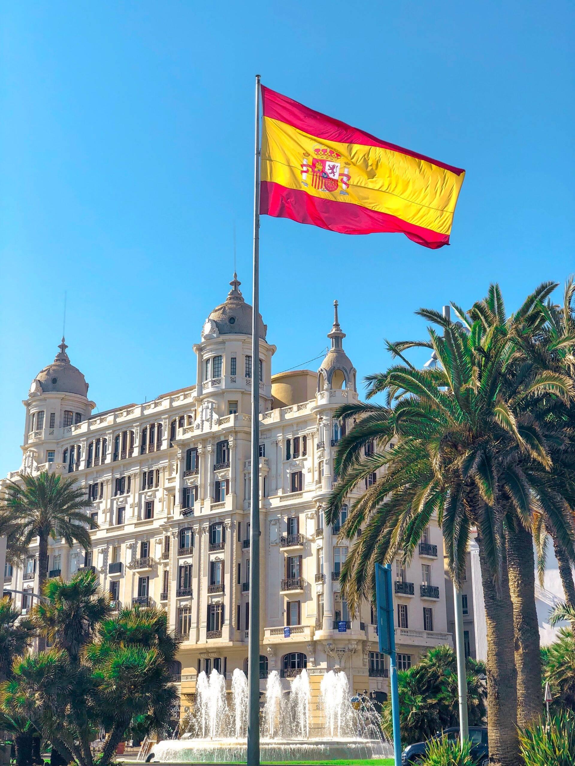 No 14° lugar está a Espanha, que imunizou 35,07 milhões de pessoas. (Foto: Unsplash)