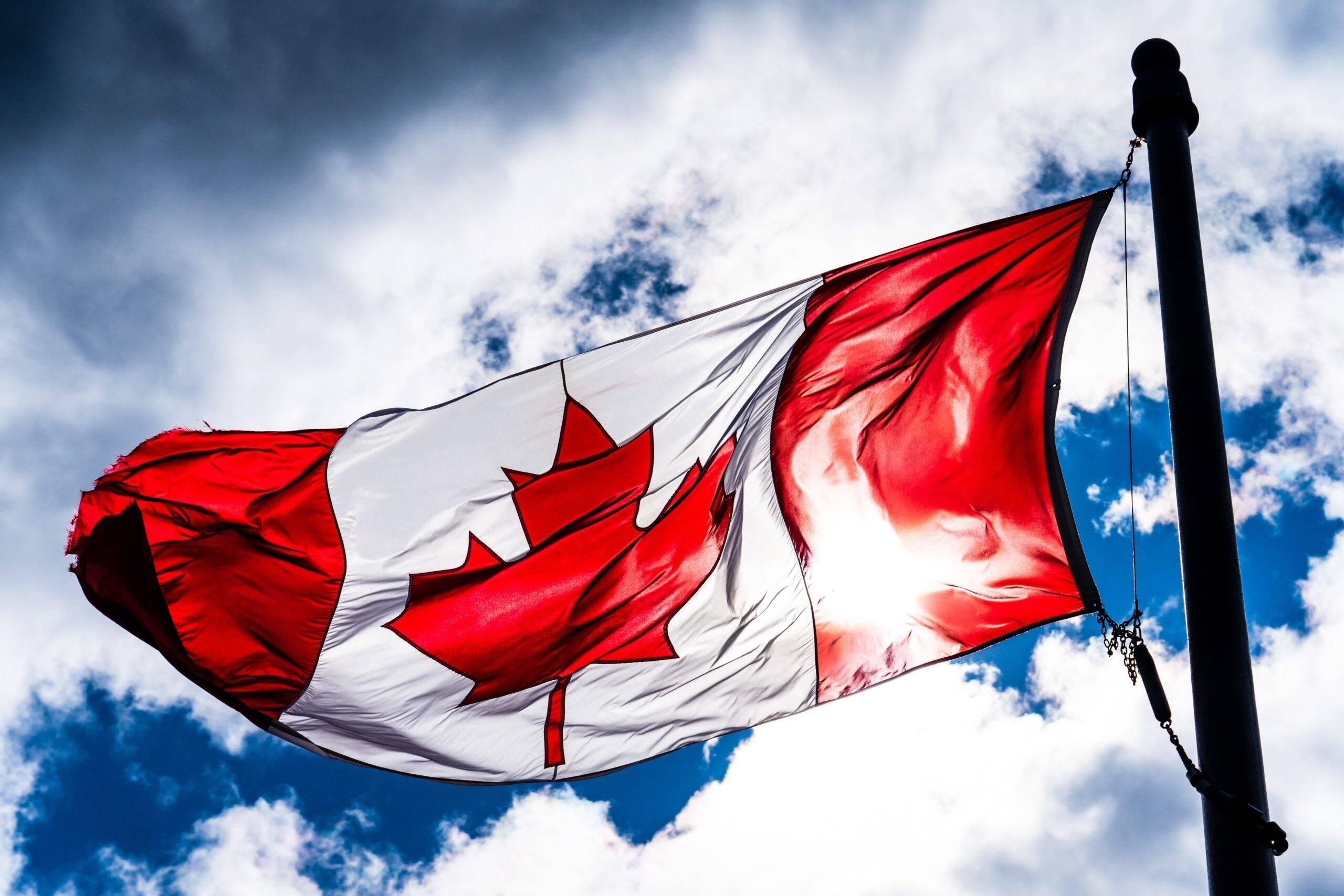 O Canadá, que recentemente veio sofrendo com o aumento de casos da variante Delta, está na 15° no ranking Global de vacinação. (Foto: Unsplash)
