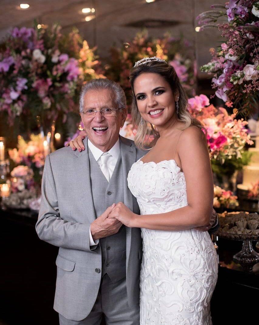 Carlos Alberto de Nóbrega, se casou pela terceira vez aos 82 anos, com a médica Renata Domingues. (Foto: Instagram)
